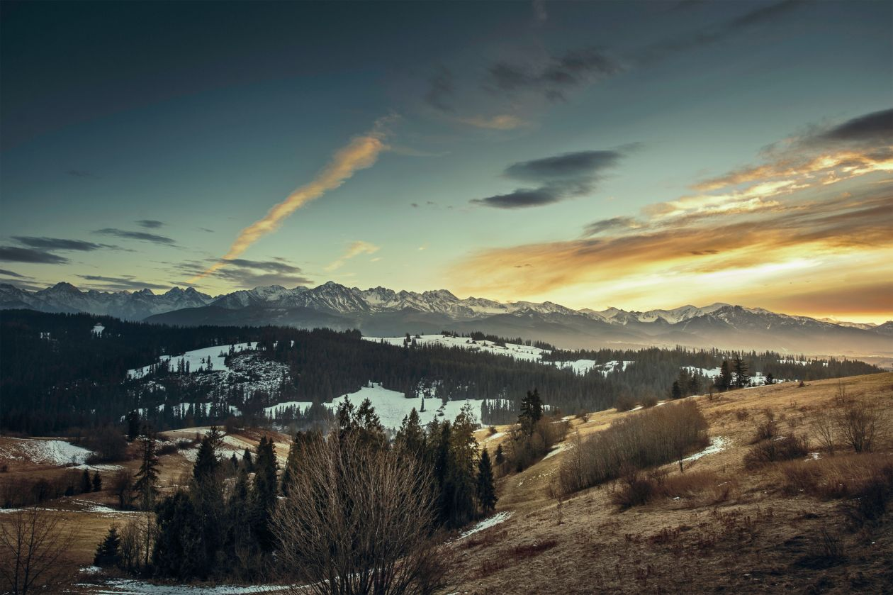 "Free photo ""Mountain Snow Peak Evening Sunset Clouds Valley"""