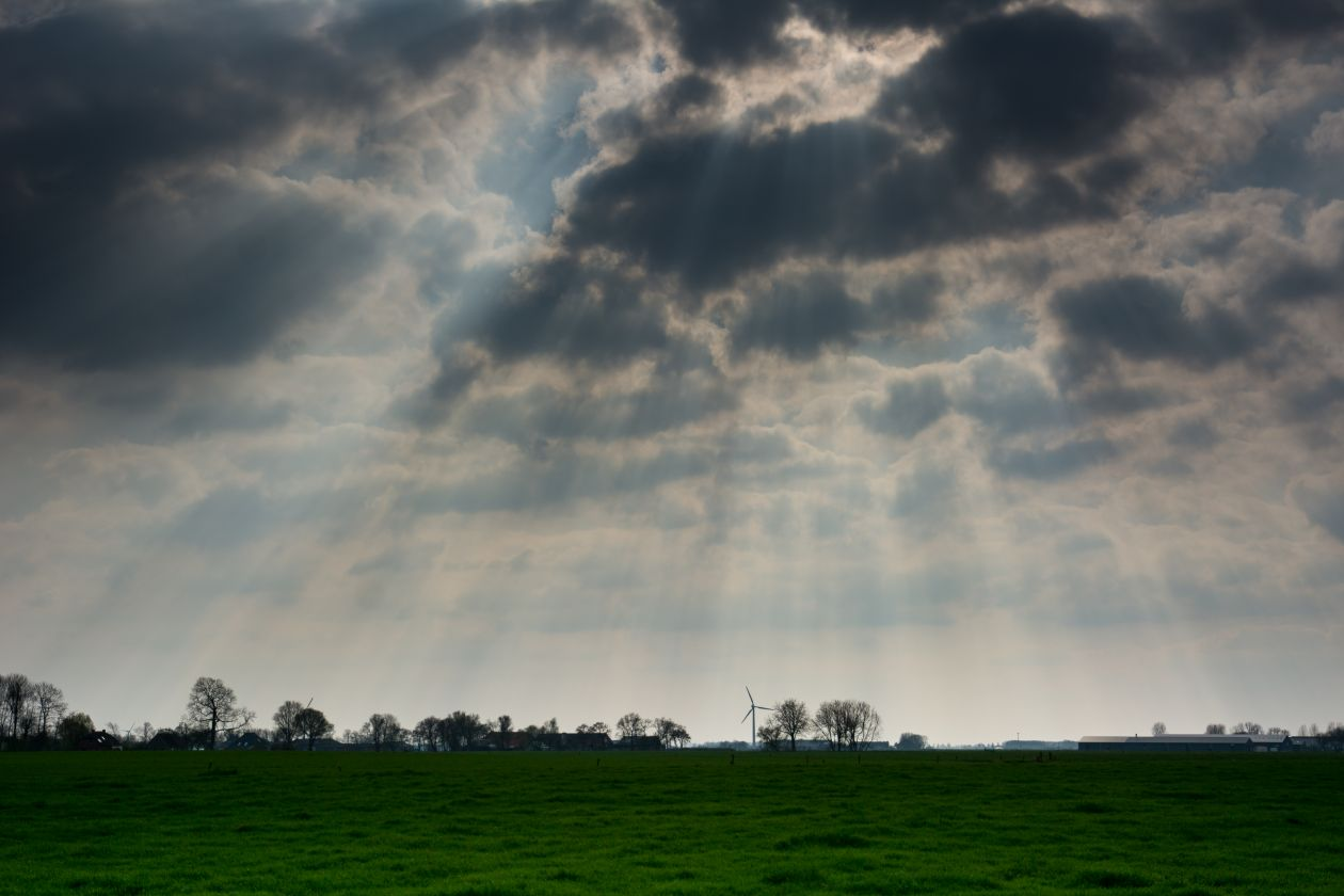 """Free photo """"Sunbeams through the clouds"""""""