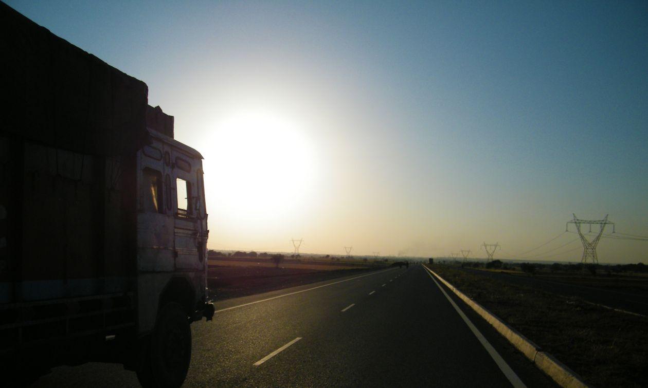 """Free photo """"Truck"""" by mrigendra chauhan"""