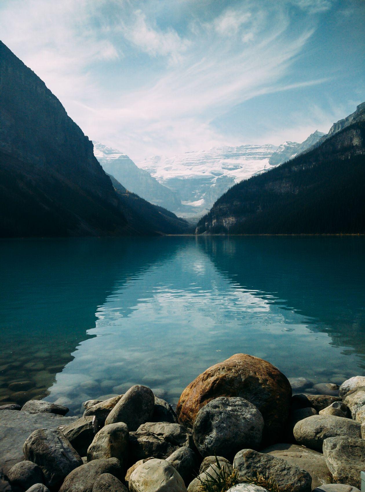 """Free photo """"Lake between Mountains"""""""