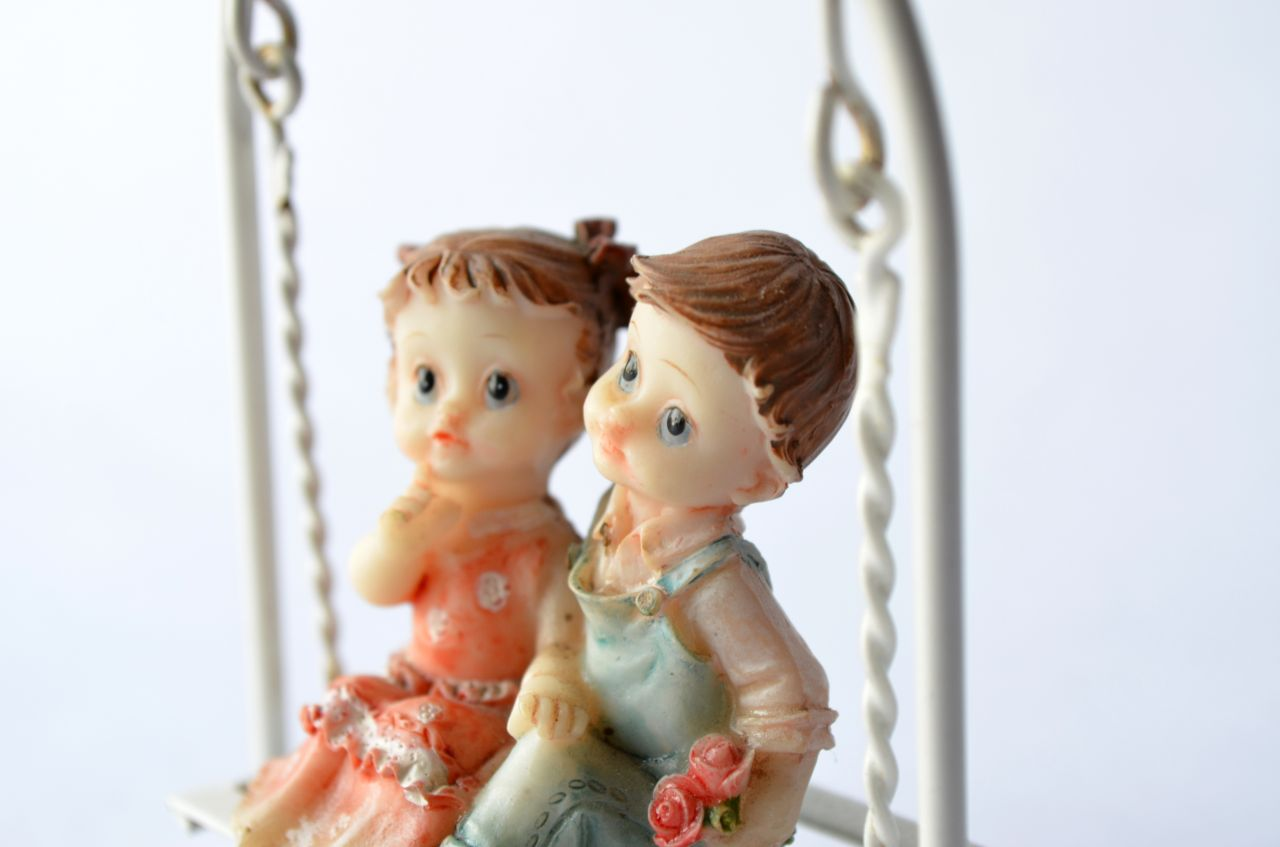 "Free photo ""Love Romance Statue Dolls"""