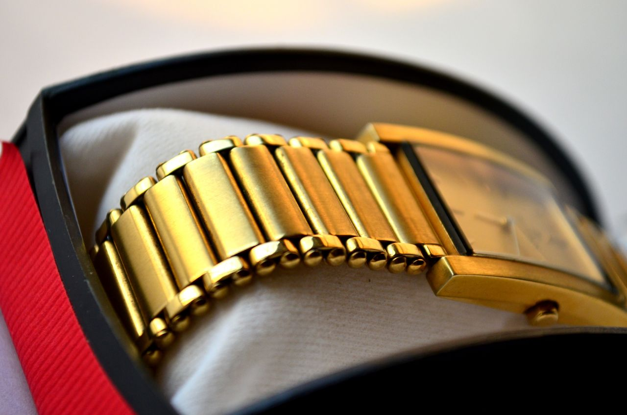 "Free photo ""Golden Watch Box 2"""