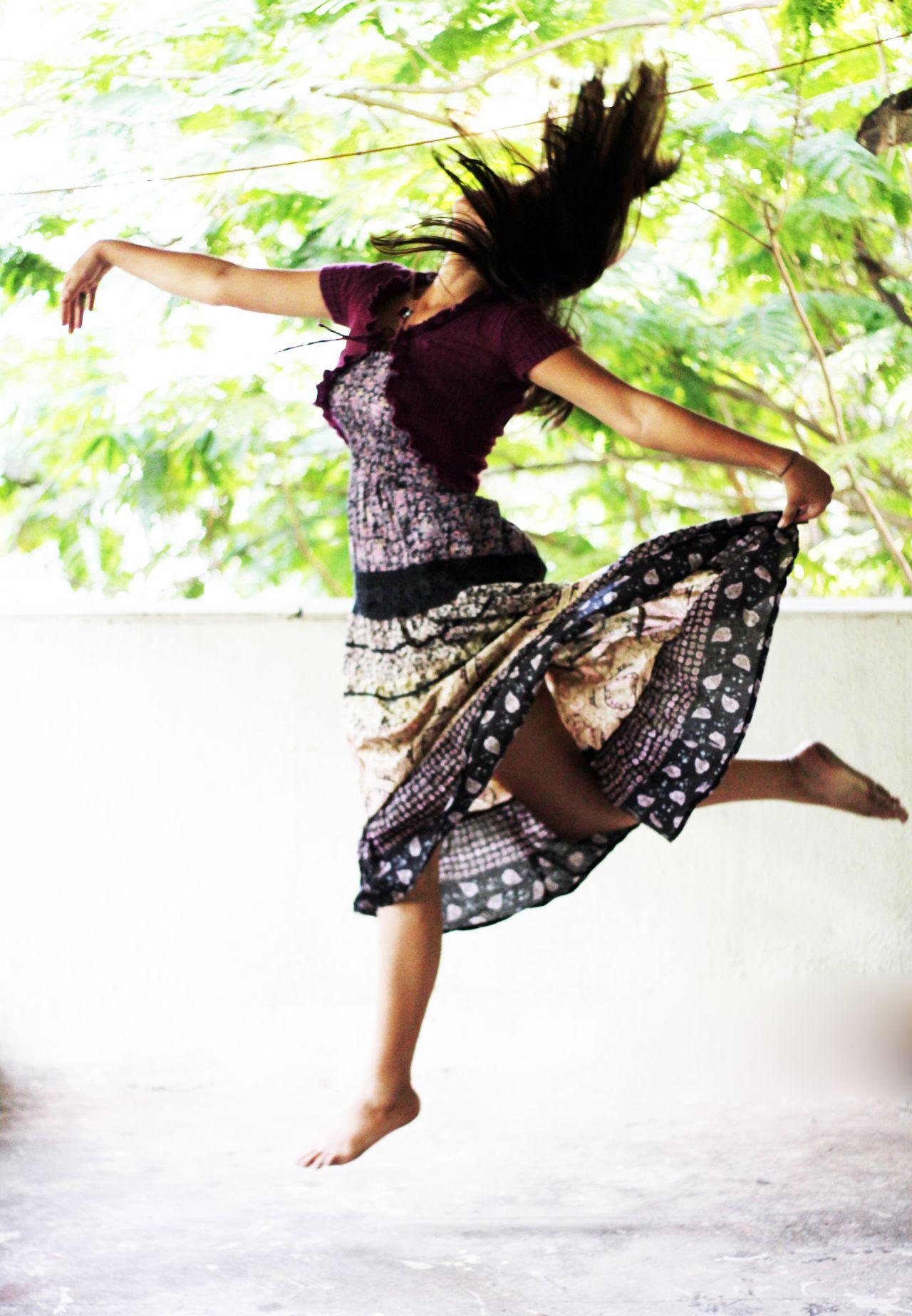 """Free photo """"Girl Dancing Pose"""""""