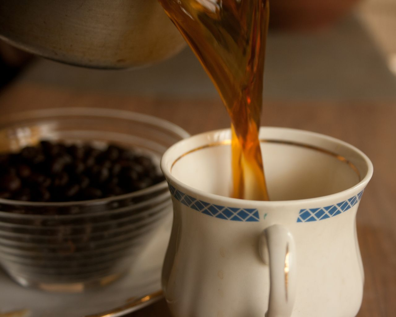 "Free photo ""Coffee Pour Beverage"""