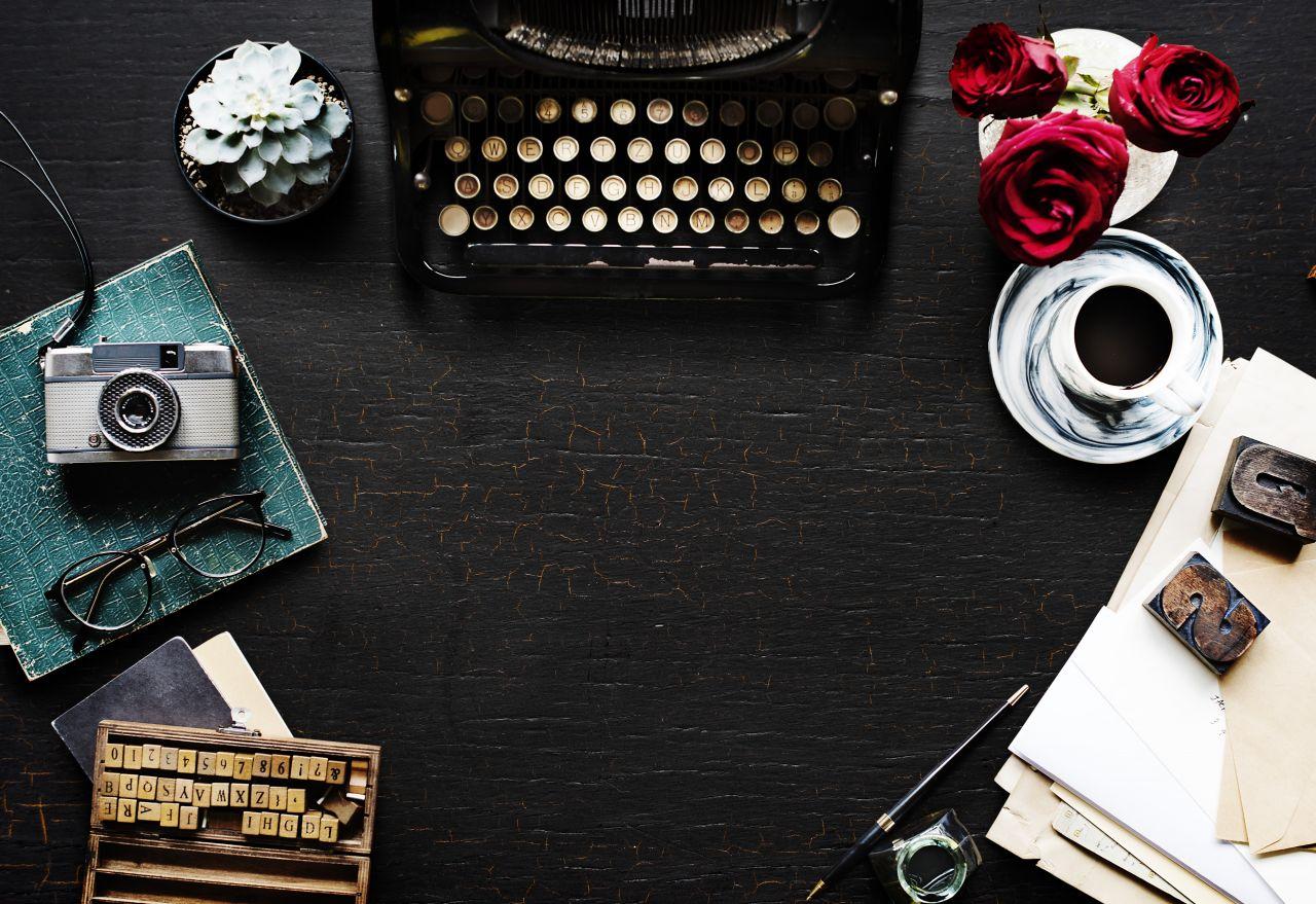 "Free photo ""Vintage Desk Typewriter Glasses"" by Rawpixel"