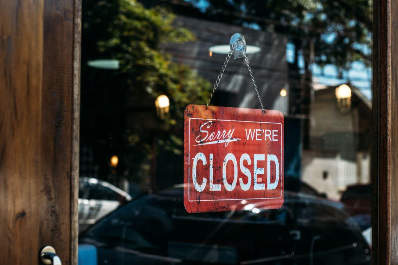 """Free photo """"Closed Sign Vintage Glass Door"""" by Kaique Rocha"""