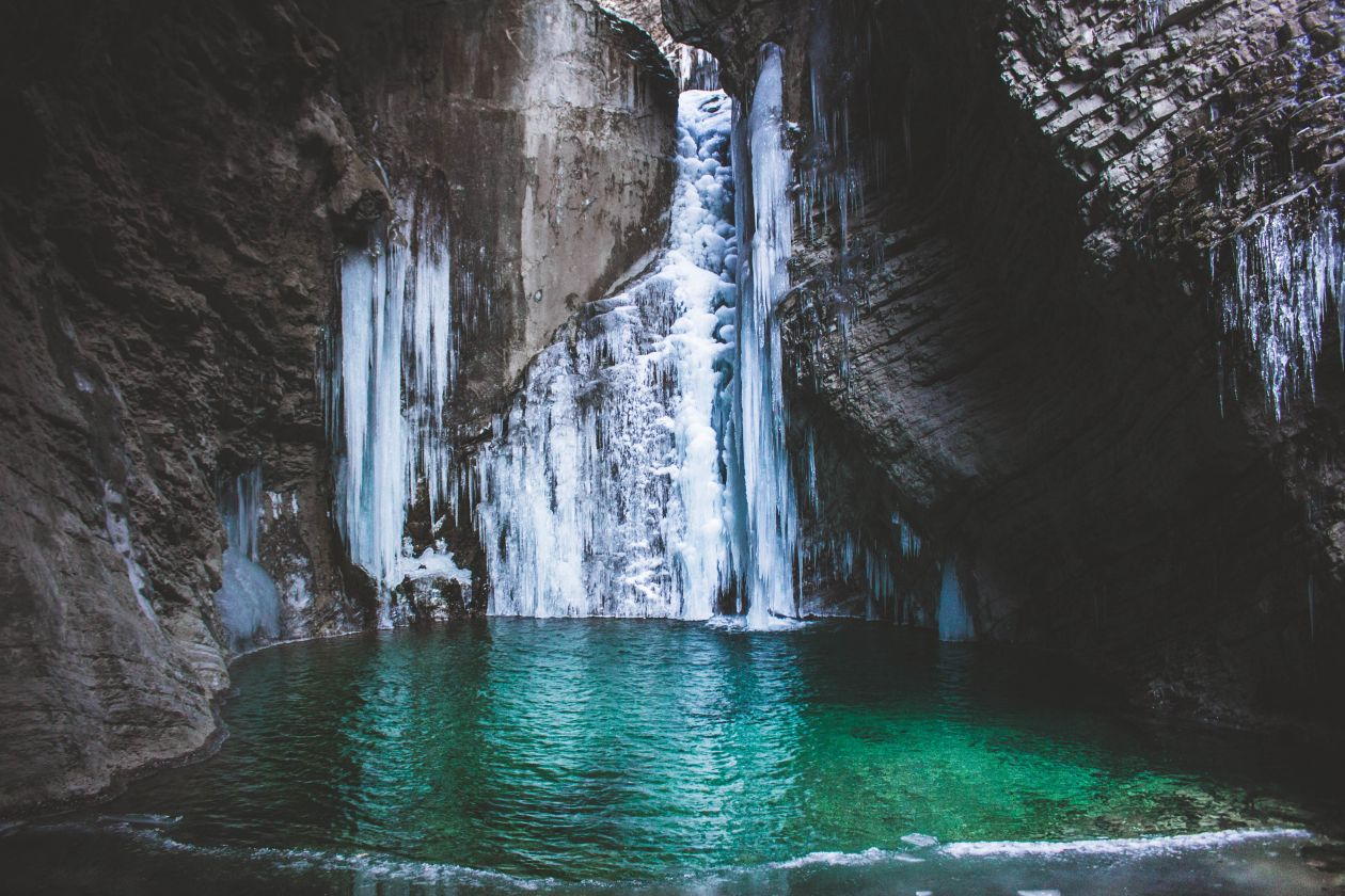"""Free photo """"Waterfall vibes."""" by Alex Klopcic"""