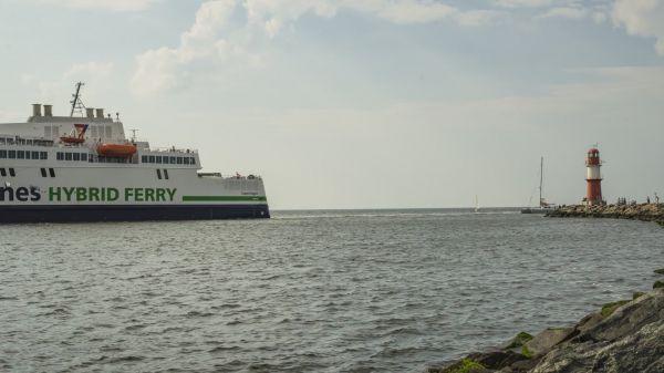 Port  baltic sea  ships video