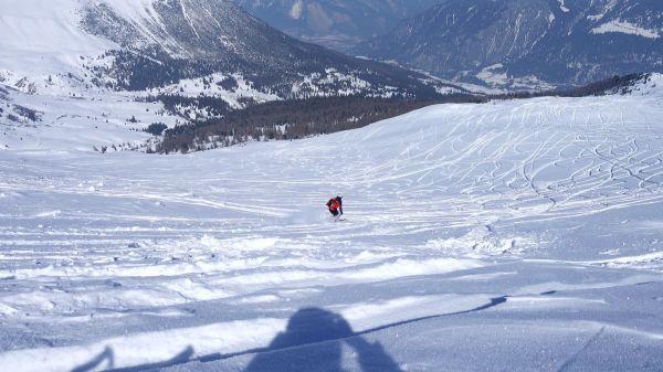 Skiing  deep snow  ski sport video