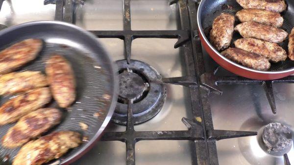 Meatballs  fry  fried meat video