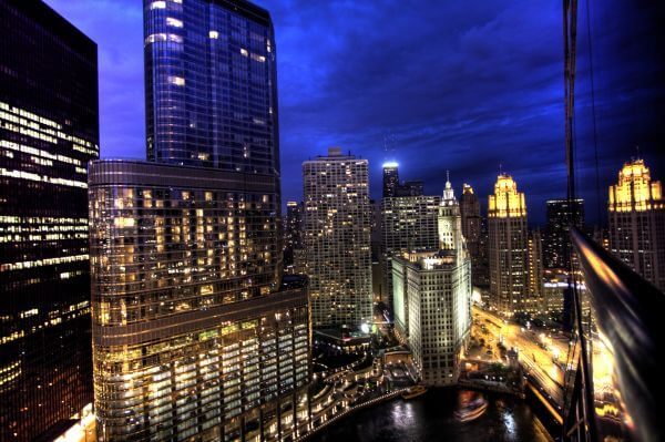 Free Stock Photos – Chicago Skyline At Night from Hotel 71 on Wacker Drive photo