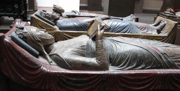 tomb effigies photo