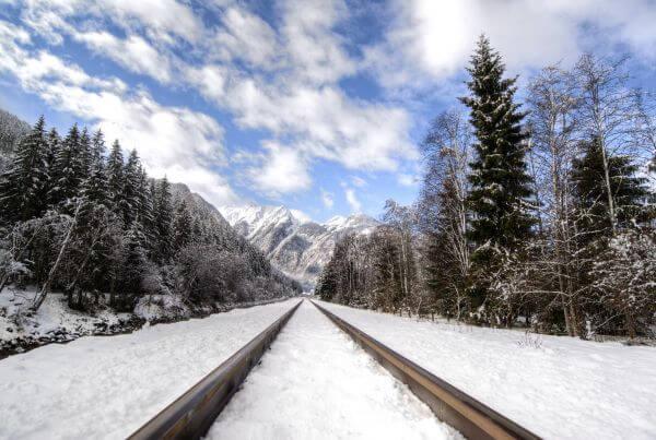 Snow rails photo