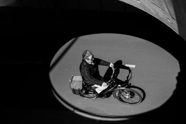 Cyclist cirle photo