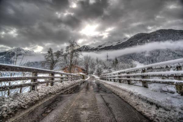 Cold horror bridge photo