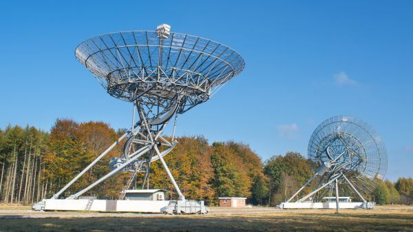Radio telescopes photo