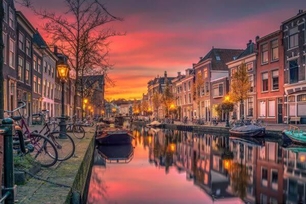 Oude Rijn Leiden photo