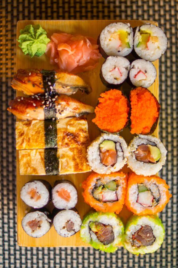 Sushi plate photo