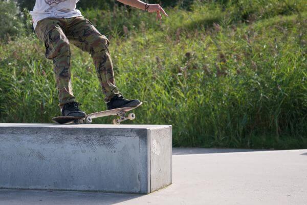 Skater grind photo
