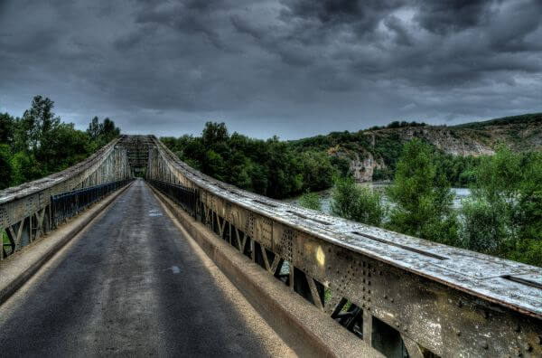 Horror bridge photo