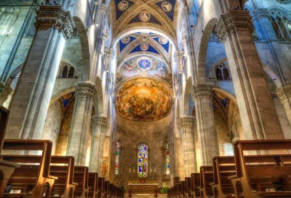 Lucca church photo