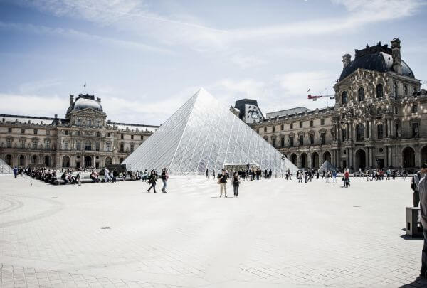 Louvre photo