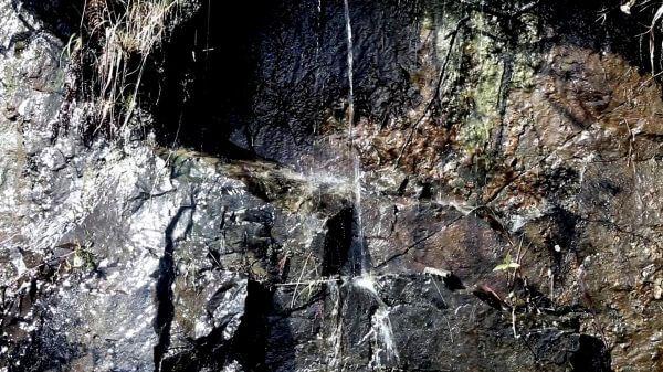 Wet Rocks video