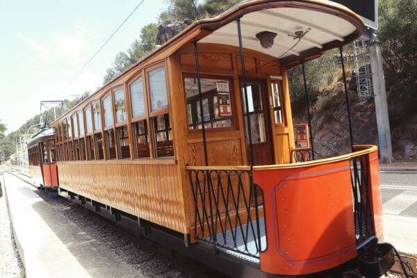 Train 2 photo