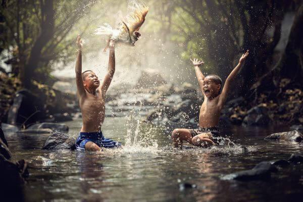 Картинки по запросу children with birds