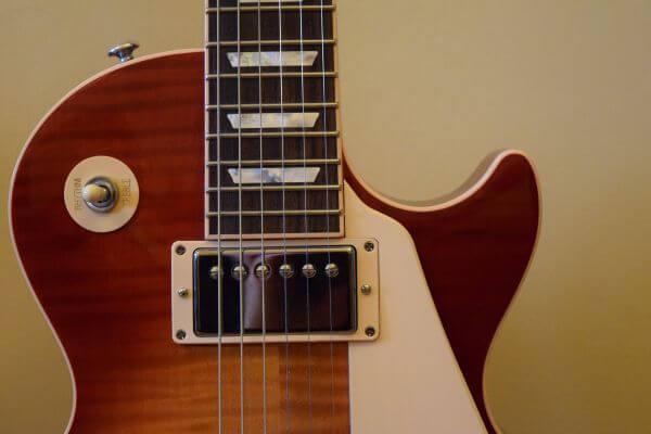 Bowed stringed instrument photo