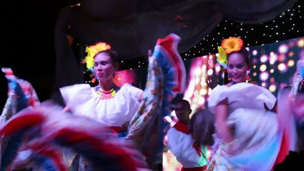Cumbia  colombia  peace video