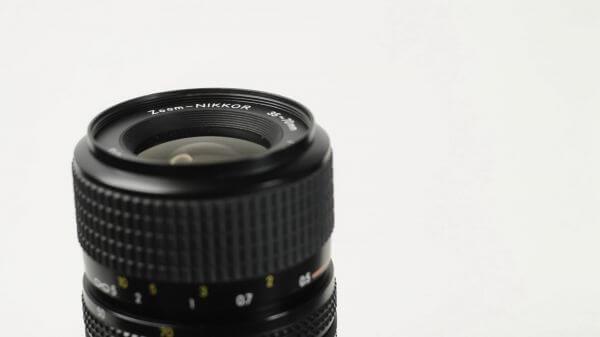 Camera  lens  reflex video