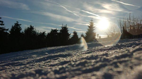 Skiing  winter  departure video