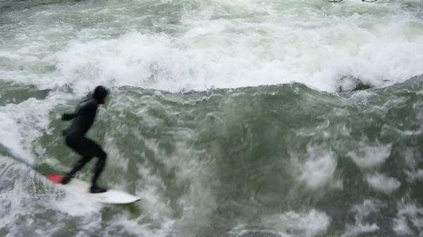 Surfer  surfers  eisbach video