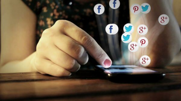 Social media  smart phone  mobile video