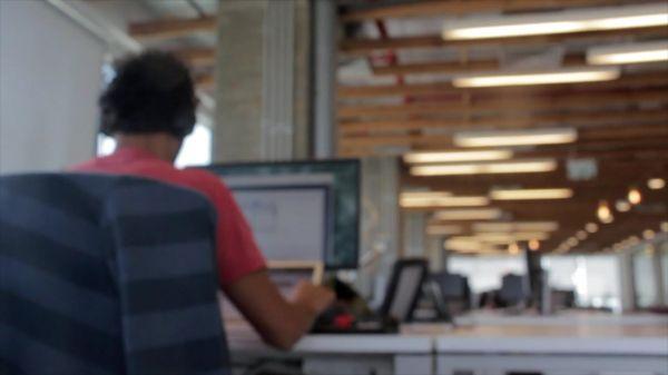 Office  desk  computer video