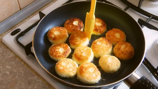 Hash browns  cheesecakes  frying pan video