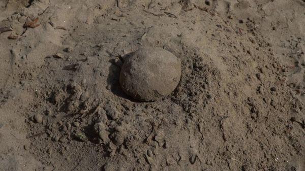 Sand  meteorite  impact video
