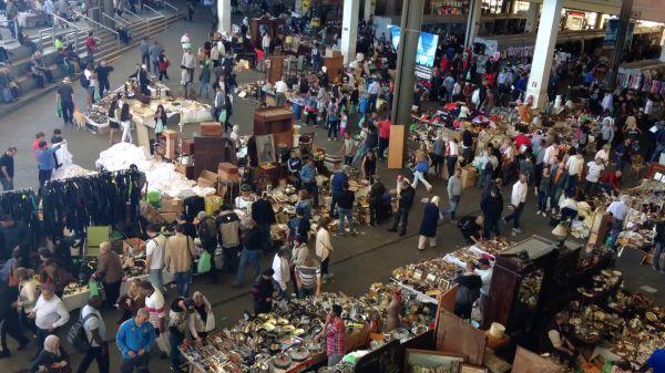 Market  flea market  busy