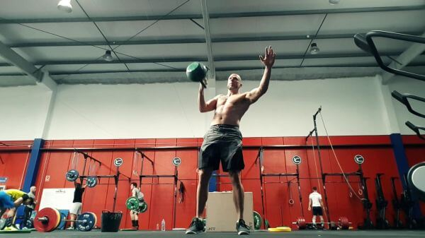 Crossfit  kettlebell  training