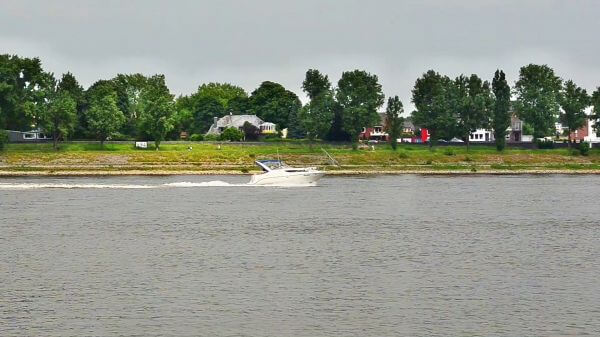 River  river navigation  daxcruiser video