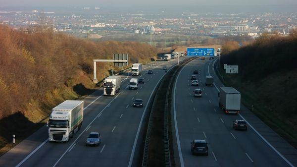 Highway  dresden  traffic video