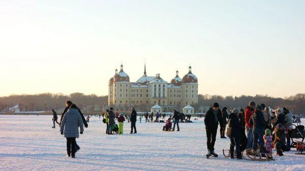 Moritz castle  winter  cinderella video
