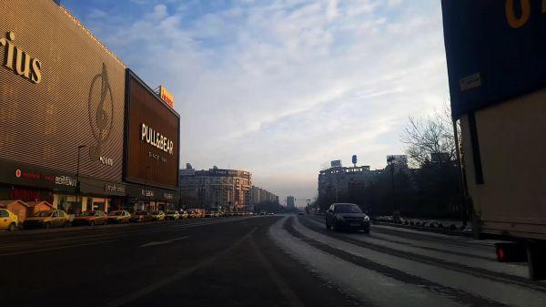 Boulevard  taxi  sky video