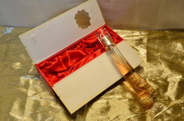 Female Perfume Box photo