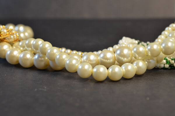 Beads Pearls Valuables photo