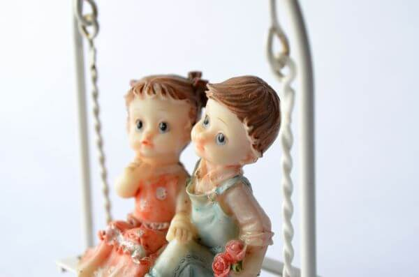 Love Romance Statue Dolls photo