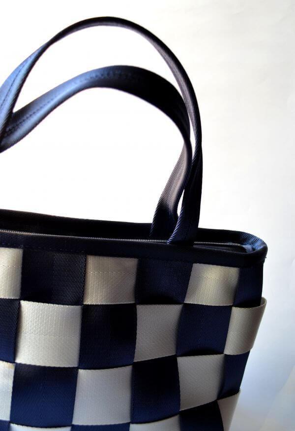 Chequered Hand Bag Woman photo