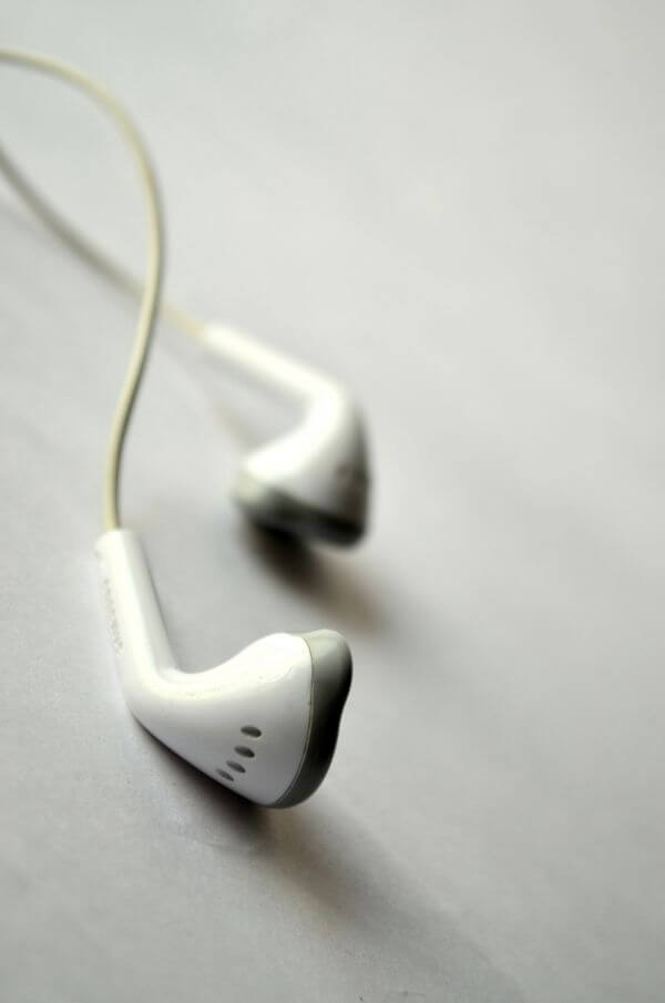 Ear Phones White 3 photo