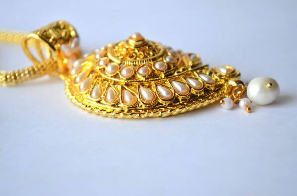 Gold Ornaments Pearl 2 photo